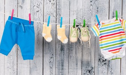 Hanging Baby Clothes vs Folding? How to Organize The Nursery