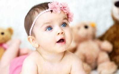 100+ Old-Fashioned Baby Girl Names (Popular & Uncommon Grandma Chic!)